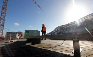 Un agent de la SNCF sur le chantier de la gare de Rennes, le 13 mars 2018.