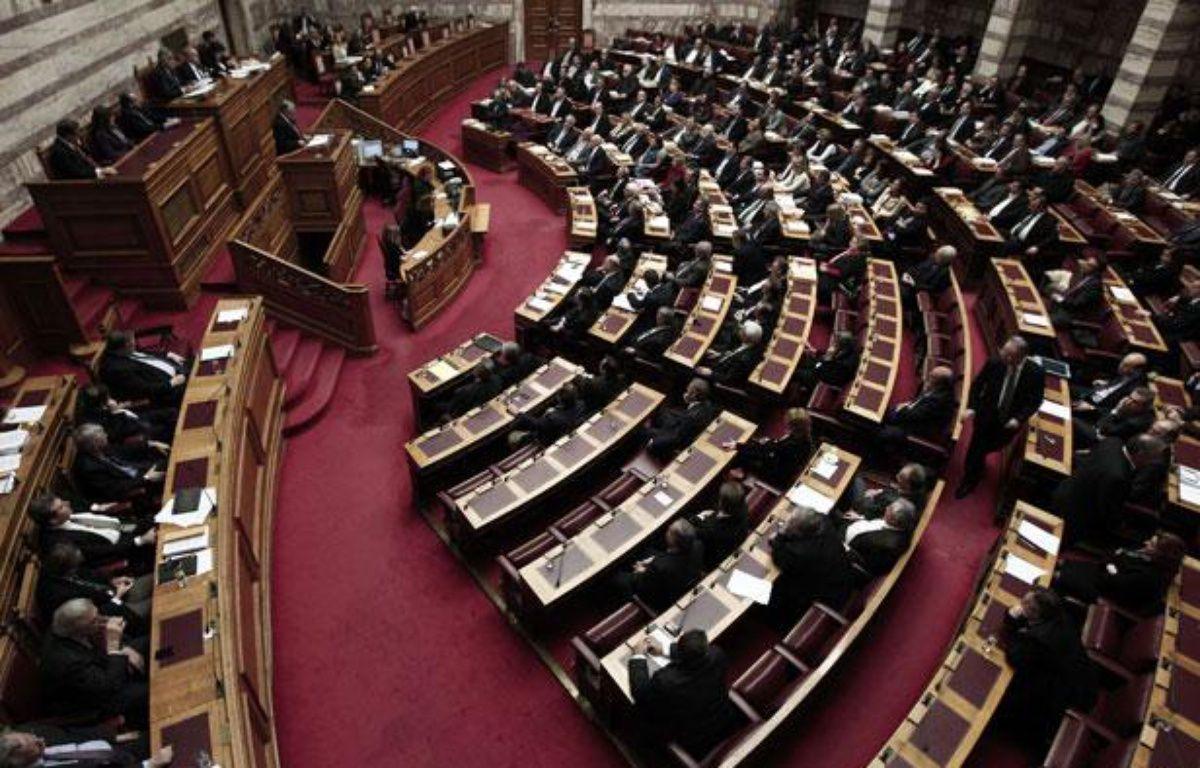 Les parlementaires grecques, lors de l'adoption d'un nouveau plan d'austérité, le 12 février à Athènes. – Dimitri Messinis/AP/SIPA