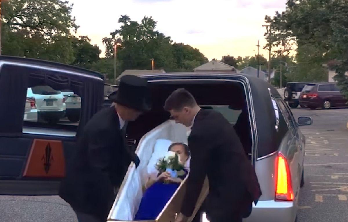 Une lycéenne est arrivé à son bal dans un cercueil – Screenshot NJ.com
