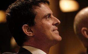 Le ministre de l'Intérieur, Manuel Valls, en meeting à Paris le 6 mars 2014