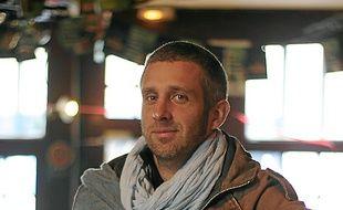 Erwan, chanteur de Monsieur Roux.