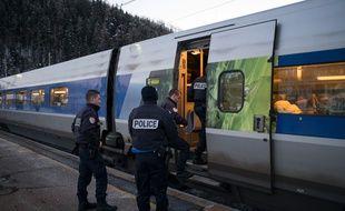 Des policiers français montent dans le TGV Milan-Paris pour effectuer des contrôles