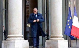 Le député PS Jean-Christophe Cambadelis quitte l'Elysée le 18 septembre 2013 à Paris.