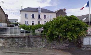 Vue de la mairie de Noyal-Châtillon-sur-Seiche.