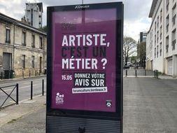 Les affiches de a campagne de communication de la ville pour son forum culturel font polémique.