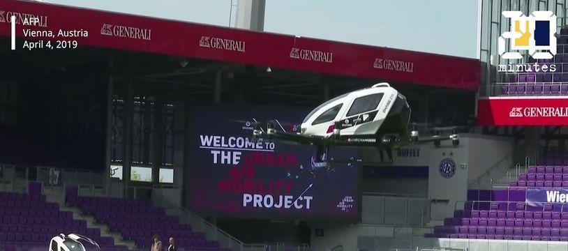 La première présentation mondiale du taxi-drone de la société chinoise EHang a eu lieu jeudi à Vienne.