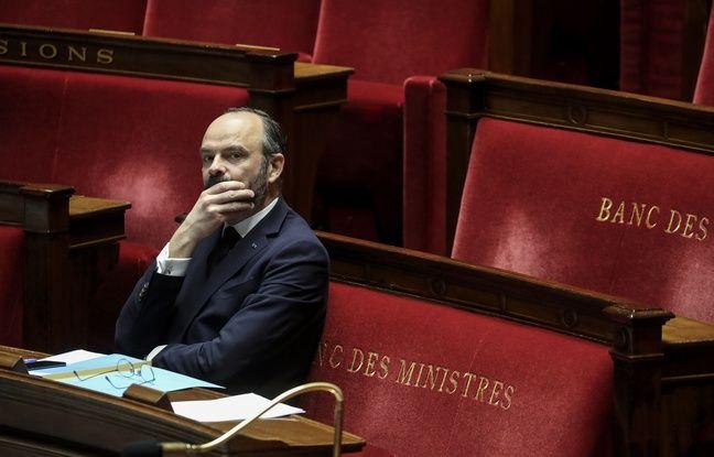 Le Premier ministre Edouard Philippe lors des débats à l'Assemblée sur l'état d'urgence sanitaire, dans la nuit du 21 au 22 mars 2020.