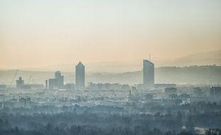 Lyon, au petit matin. (illustration)