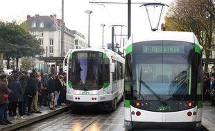 Nantes, des tramways de la ligne 3 à la station Commerce