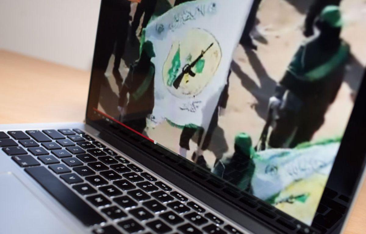 Sur internet, la propagande de l'organisation Etat islamique. – SEBASTIEN SALOM-GOMIS/SIPA
