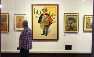 Un visiteur au musée LU, au château de Goulaine.