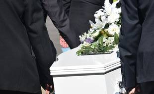 La famille du défunt a cru le voir respirer dans son cercueil