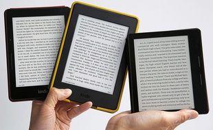 Le Kindle d'Amazon, une liseuse qui cartonne toujours.