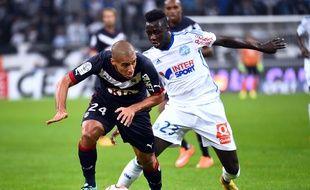 Duel entre Khazri et Mendy, lors de OM-Bordeaux le 23 novembre 2014.