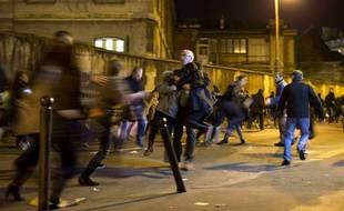 Paris: Scènes de panique après une fausse alerte