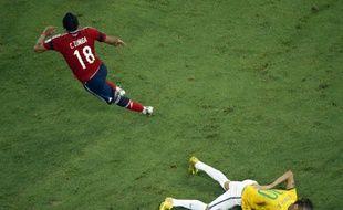 L'attaquant brésilien Neymar agonise à terre après un choc lors du match contre la Colombie, le 4 juillet 2014.