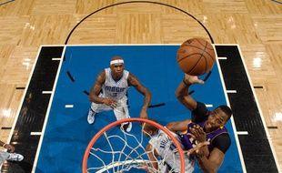 Le pivot des Los Angeles Lakers Dwight Howard a inscrit trente-neuf points contre Orlando le mardi 12 mars 2013.