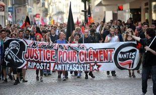 Des milliers de personnes ont manifesté jeudi soir dans toute la France en hommage au jeune militant d'extrême gauche Clément Méric, décédé après avoir été violemment frappé lors d'une bagarre avec des skinheads la veille à Paris.