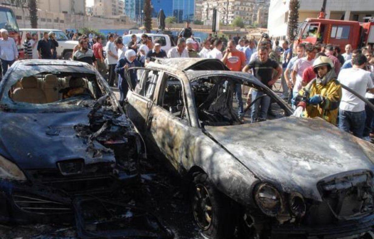 Trois attentats à la bombe ont frappé vendredi Damas tuant cinq policiers, lors d'une nouvelle journée de combats meurtriers entre soldats et rebelles sur plusieurs fronts en Syrie et de manifestations hostiles au régime de Bachar al-Assad. –  afp.com