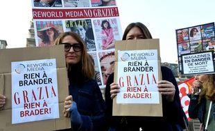 Des salariées de «Grazia» à la manifestation contre le projet de reprise du groupe Mondadori France par Reworld.