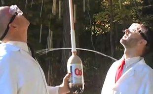 Capture d'écran du zapping des expériences les plus WTF avec du Coca-Cola.