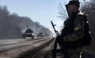 Troupes ukrainiennes dans l'est de l'Ukraine le 24 février 2015.