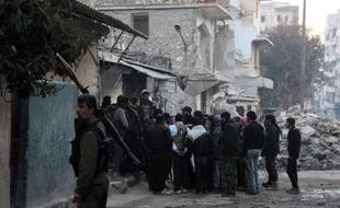 Les jihadistes de l?État islamique en Irak et au Levant ont été délogés d'Alep et perdaient du terrain à Raqa après avoir déclaré une guerre totale à leurs anciens alliés en Syrie, et au gouvernement contrôlé par les chiites en Irak.