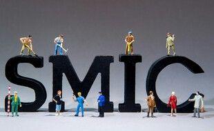 Le Smic est le salaire minimum interprofessionnel de croissance.
