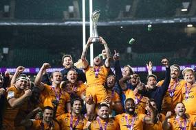 Les Montpelliérains fous de joie après leur succès en finale du Challenge européen contre Leicester, vendredi à Twickenham.