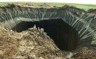 Un trou dans le pergélisol découvert en Russie, le 16 juillet 2014.