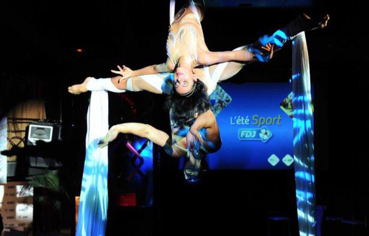 Les Farfadais, lors de la soirée de présentation des sportifs et événements de l'été 2012 parrainés par la Francaise des Jeux. – GHNASSIA ANTHONY/SIPA