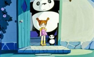 Ce panda a une langue bien pendue.
