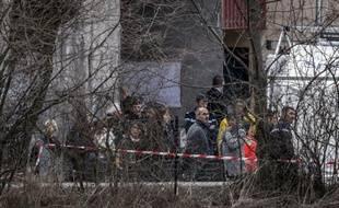 Des proches des victimes du crash de l'A320 de Germanwings arrivent à Seyne-les-Alpes, le 26 mars 2015
