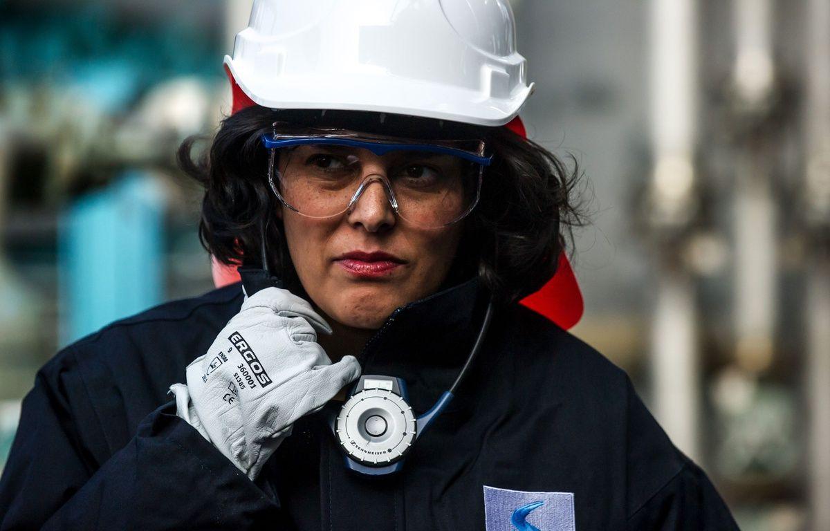 Myriam El Khomri en visite à Solvay, en février 2016. –  KAMIL ZIHNIOGLU/SIPA