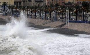 Les vagues devraient gagner en puissance dans l'après-midi (Archives)
