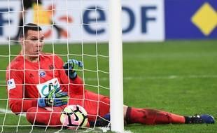Yohann Pelé a marqué le premier but du soir contre-son-camp, lançant une soirée placée sous le signe du WTF.