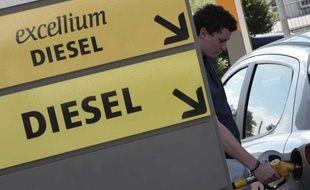 Les associations de consommateurs sont conviées lundi après-midi à Bercy pour discuter «carburant» avec le ministre de l'Economie, Pierre Moscovici.