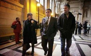 """Même s'il """"reste un patriote corse"""", Yvan Colonna a assuré mardi avoir quitté tout militantisme nationaliste dès 1990, huit ans avant l'assassinat de Claude Erignac, dénonçant une enquête """"à charge"""" qui le désigne à tort comme le meurtrier du préfet."""