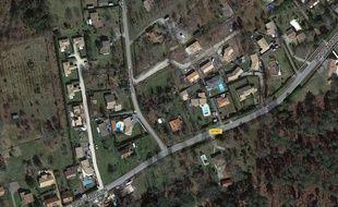 Mios est une banlieue pavillonnaire périurbaine lointaine, qui a presque doublé sa population depuis 1999.