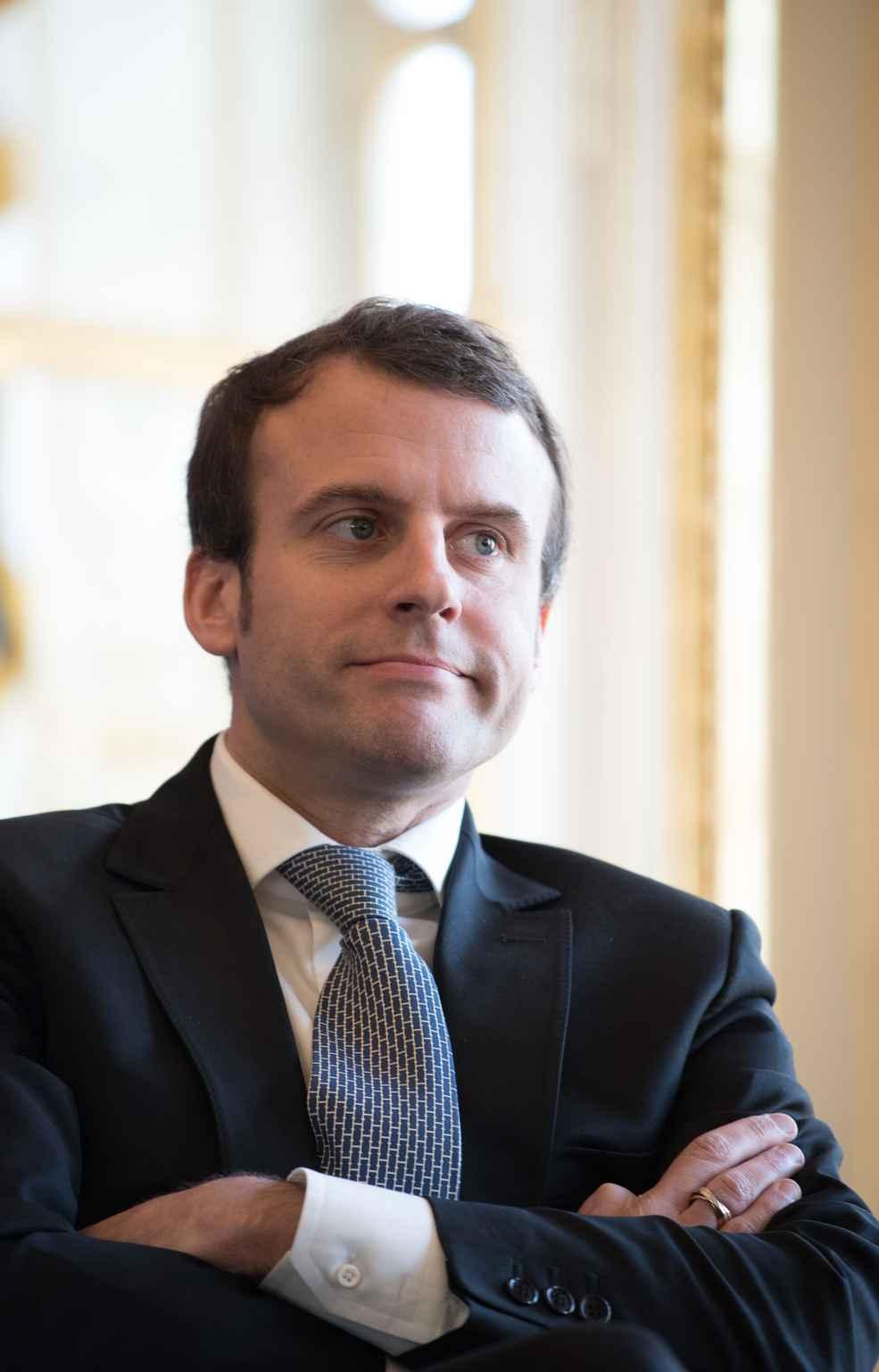 Emmanuel macron compare le m tier de banquier celui de for Ministre de france