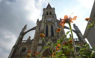 L'église de Sainte-Gemmes-d'Andigné (Maine-et-Loire) résiste à une vague de démolitions lancées par des maires - cinq déjà détruites à travers la France depuis le début de l'année.