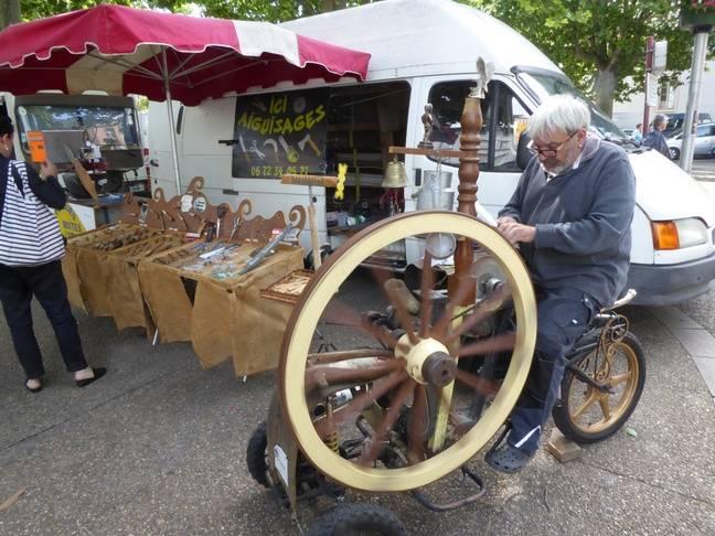 Richard le rémouleur du marché de Foix.