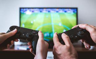 Illustration de deux personnes en train de jouer aux jeux vidéo.