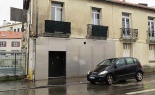La discothèque est située boulevard Gustave-Roch à Nantes.