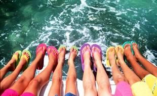 1805377023 Pays Basque: Des testeurs de tongs et de maillots de bain recherchés ...