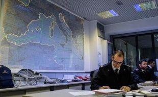 Le centre de secours des garde-côtes italiens, le 28 mai 2015, à Rome