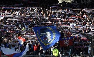 Deux supporters ultra lyonnais ont été arrêtés pour avoir frappé un ultra niçois en plein centre-ville de Lyon pendant la Coupe du monde (illustration)