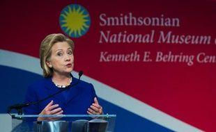 L'ancienne secrétaire d'Etat américaine Hillary Clinton lors d'une cérémonie de naturalisation de personnes de 15 nationalités au Smithsonian National Museum of American History, à Washington, le 17 juin 2014
