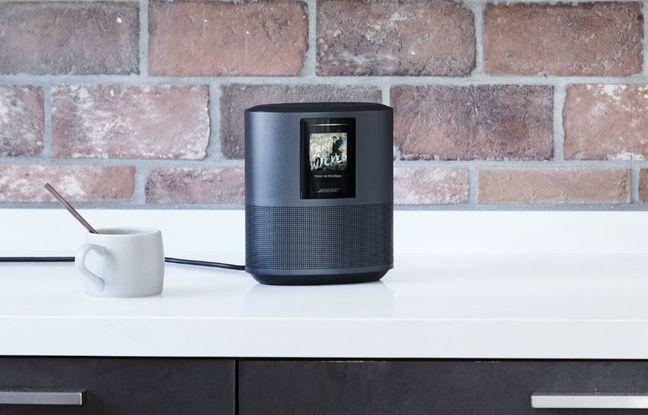 La Home Speaker 500 est disponible en noir ou blanc.