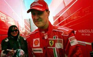 L'Allemand Michael Schumacher et le chauffeur de taxi qui lui avait laissé le volant sur le chemin de l'aéroport pour que le septuple champion du monde de Formule 1 puisse attraper son avion, pourraient être condamnés à des amendes.